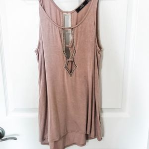 Low-cut key-hole tank with sequin trim